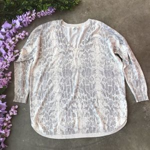 Joie V-Neck Snakeskin Print Sweater Size Small